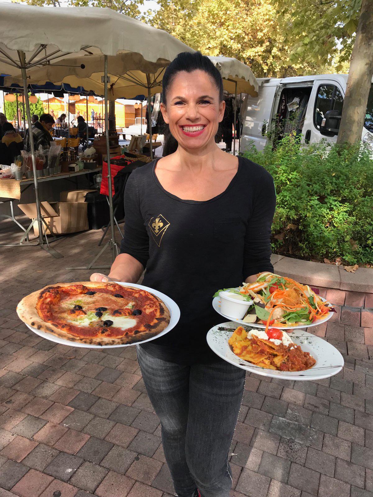 serveuse le Florentin pizzeria et restaurant Aubagne